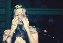 czym myć twarz